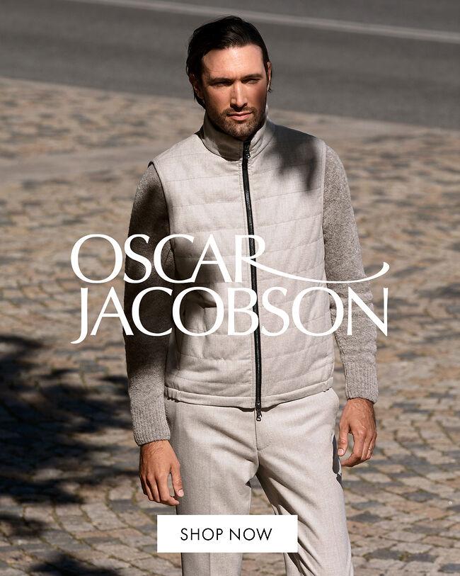 Oscar Jacobson at Zoovillage.com
