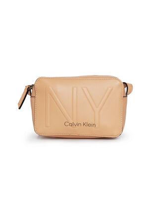 Calvin Klein  CK Must Camerabag NY Dark Sand