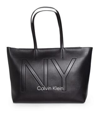 Calvin Klein  CK Must Med Shopper NY Black