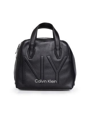 Calvin Klein  NY Shaped Sml Duffle Black