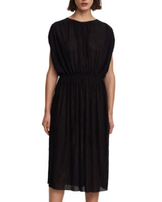 Filippa K Wave Plisse Dress Black