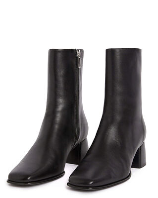 Filippa K Eileen Leather Boot Black