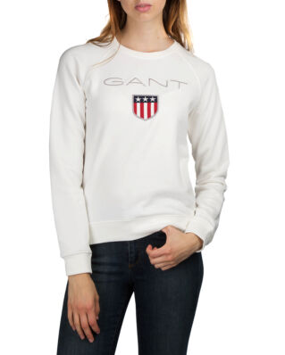 Gant O1. Gant Shield Logo C-Neck Sweat Eggshell