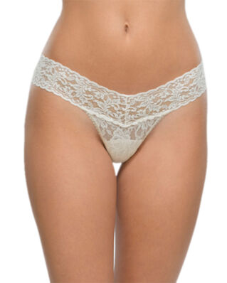 Hanky Panky Low rise thong signature lace ivory underwear