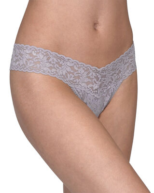 Hanky Panky Low Rise Thong Signature Lace Steel