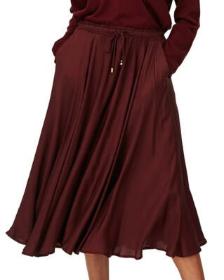 Lexington Della Satin Skirt Dark Red