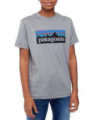 Patagonia Junior Boys Cap SW Graphic Tee P-6 Logo Feather Grey