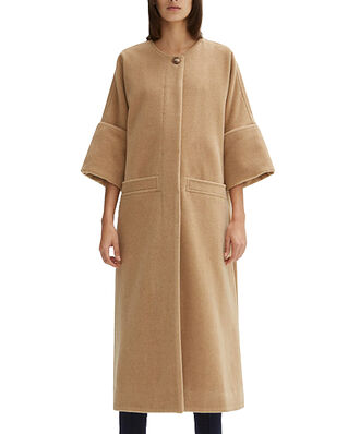 Rodebjer Nusa Padded Camel
